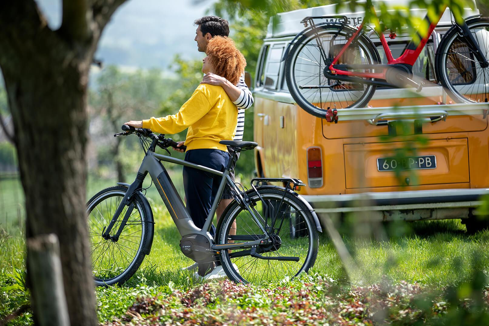 To personer med elcykel | Gazelle Ultimate C8+