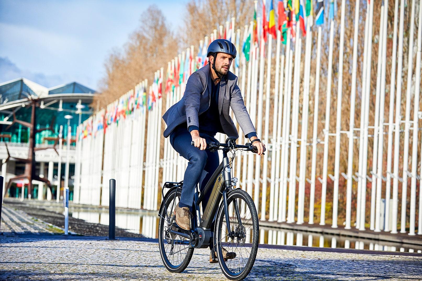 Mand på cykel