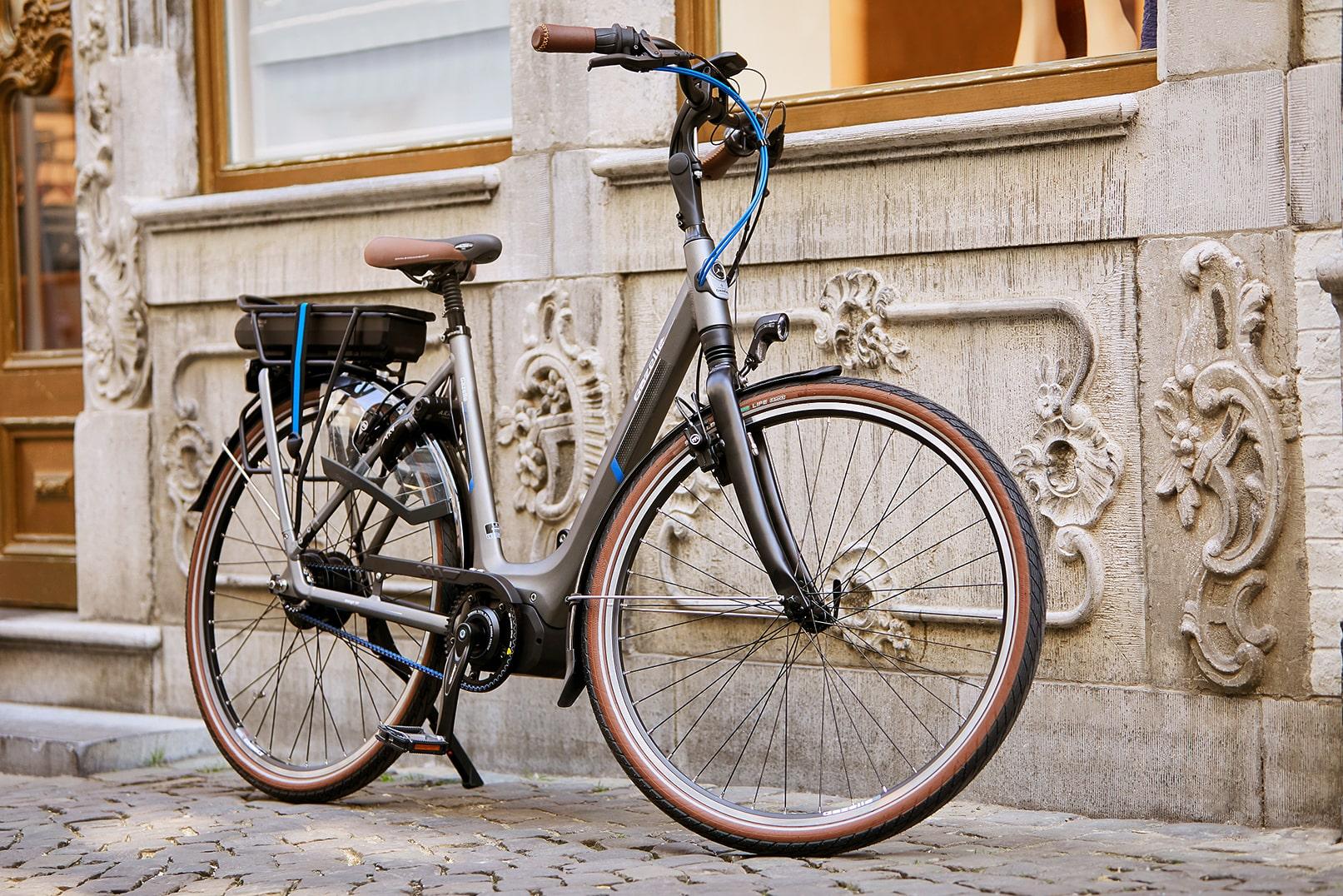 Gazelle e-bike | London bike tours | Orange C330