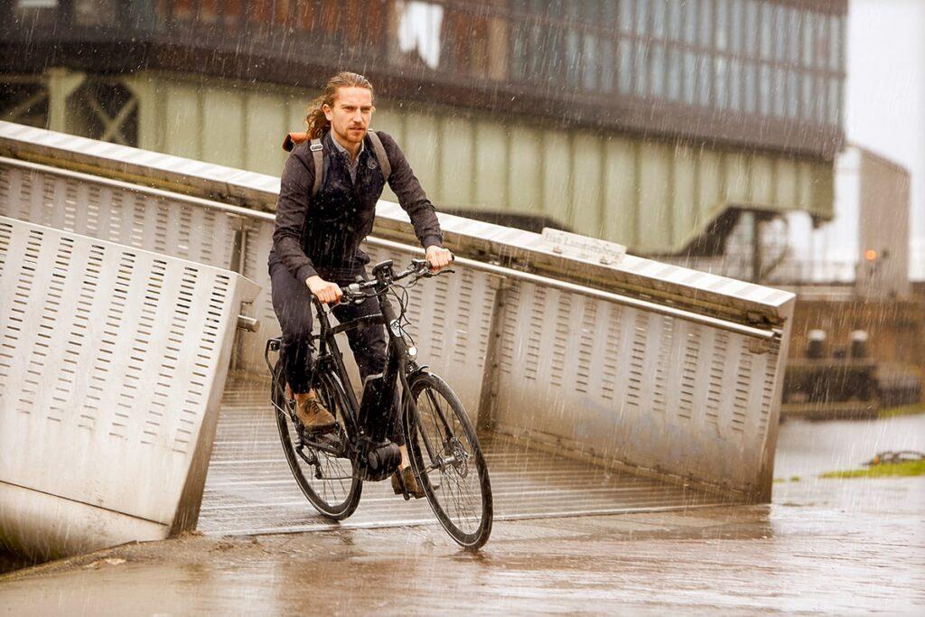 Man on a bicycle | CityZen C8