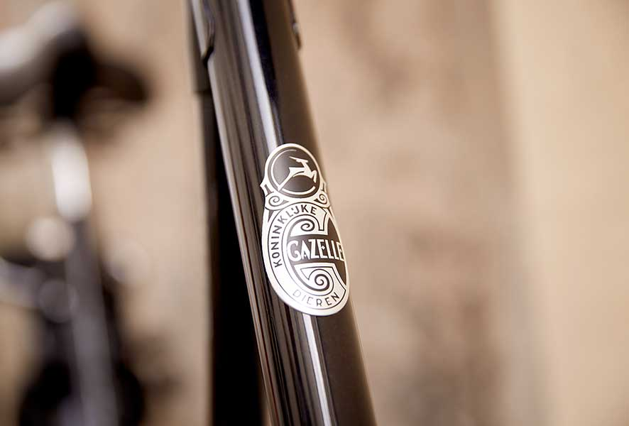Durch den Hollandbogen ist das Auf- und Absteigen auf Ihrem Hollandrad sehr bequem.