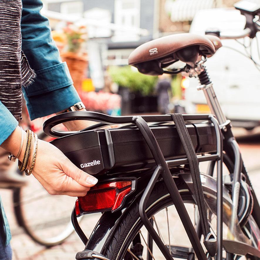 Panasonic batteriet har et moment på 30 Nm og en cykelrækkevidde på op til 110 km, så du bare kan cyklel