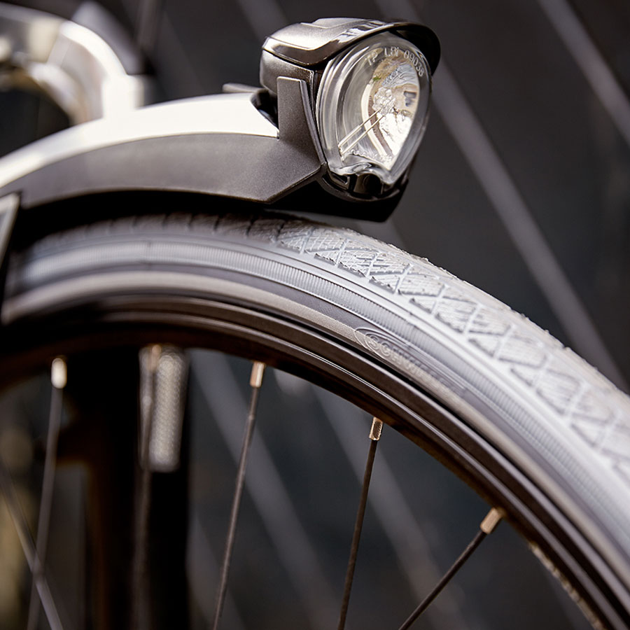 Det elegante stel med en suveræn stivhed giver cyklen effektive direkte styreegenskaber og optimal udnyttelse af pedalkraften.