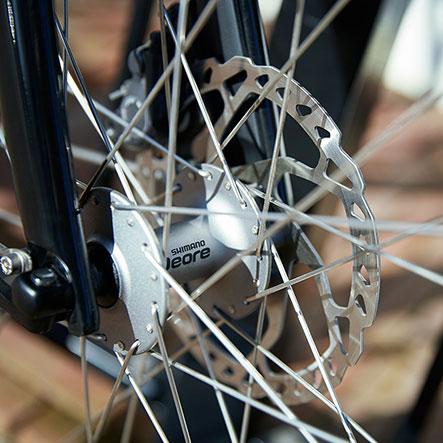 Sporty cykling og komfort går hånd i hånd på en Gazelle Ultimate Trekking cykel.