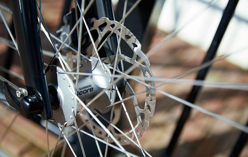 Sportlichkeit und Komfort gehen bei den Gazelle Ultimate Trekking Rädern Hand in Hand.