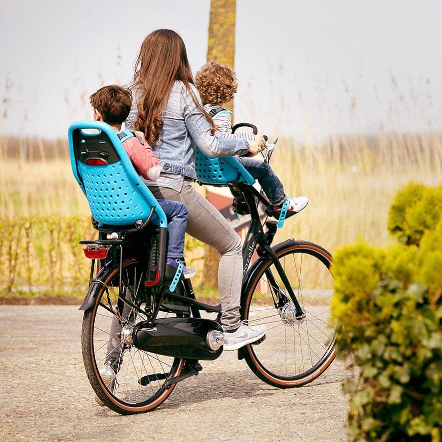 Avec son porte-bagages arrière extra-long, vous pouvez toujours emporter une sacoche, même si vous avez un siège enfant à l'arrière.