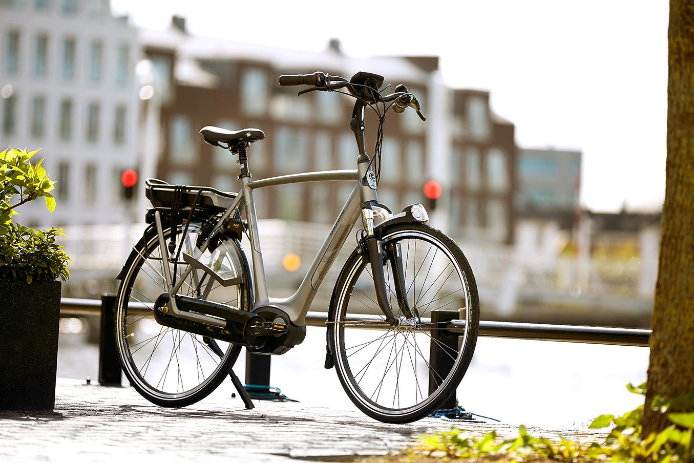 Wir bauen E-Bikes mit tiefem Einstieg und maximaler Tretunterstützung. Fahrräder, auf denen man sich sehen lassen kann.