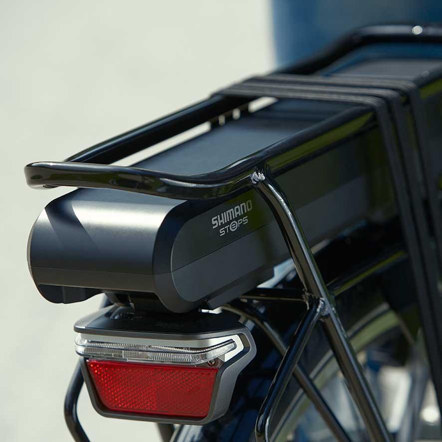 De nombreux vélos électriques sont équipés d'une batterie située sous le porte-bagages.